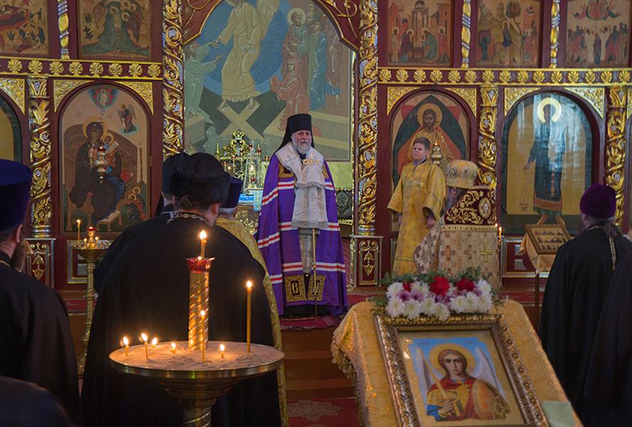 Молебен в Свято-Михайловском соборе города Черняховска